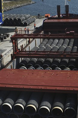 Trans-shipment of pipe joints from Mukran, Germany to the interim stock yard Karlskrona, Sweden